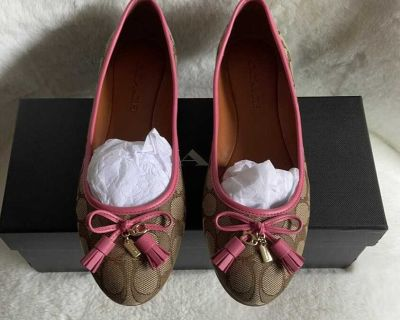 Brand new in box Coach flats size 7.5
