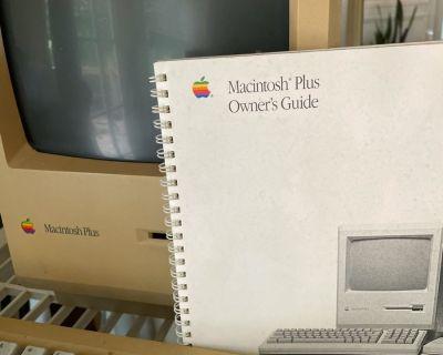 FS Vintage Mac Plus