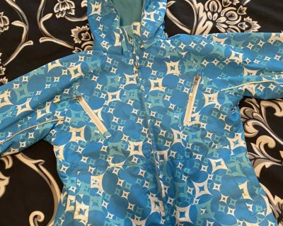 Size 8 Crush brand fleece lined raincoat, excellent condition.