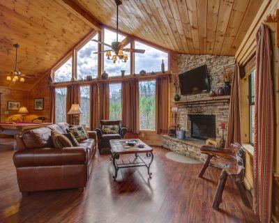 Gorgeous dog-friendly cabin w/mountain views, hot tub, sauna, pool table & more! - Sautee Nacoochee