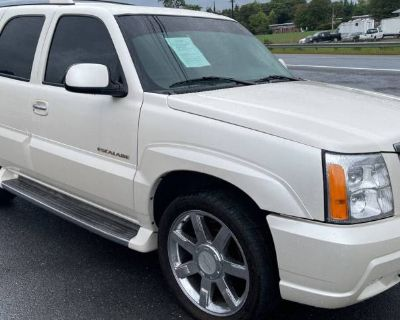2003 Cadillac Escalade Standard