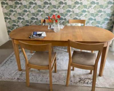 Large, adjustable dining room table