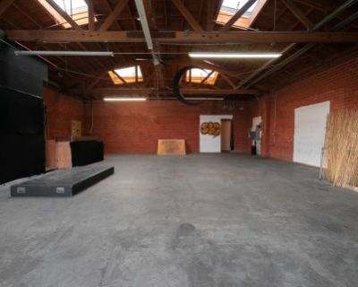 Moon Room - Rustic/Industrial Space with Sky Window - Warm Natural Light, Los Angeles, CA