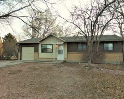 243 Tanna Ct, Colorado Springs, CO 80916 3 Bedroom Apartment