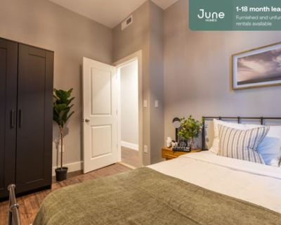 #318 Private Queen Room in South Boston 5-bed / 2.0-bath apartment