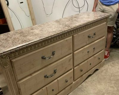 6 Drawer Marble Top Dresser with Mirror
