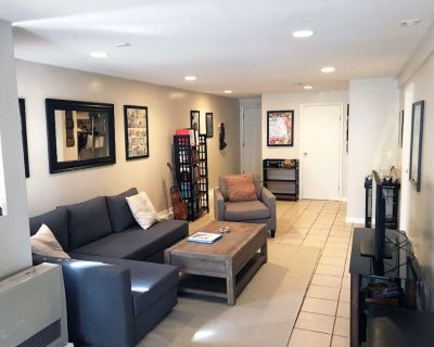 Cute Two Bedroom Apartment is Sunny and Hip Mission District - Inner Mission
