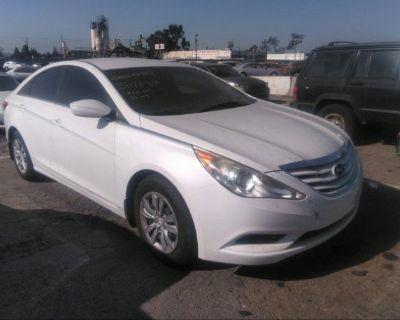 Salvage White 2011 Hyundai Sonata