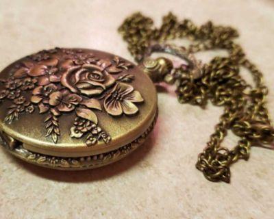 Rose flower pocket watch