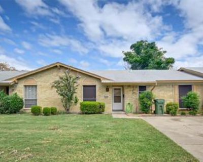 1011 Pleasant Valley Ln, Arlington, TX 76015 3 Bedroom Condo