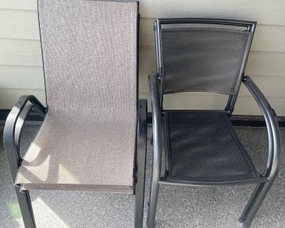 Modern Patio Set - Table and four chairs