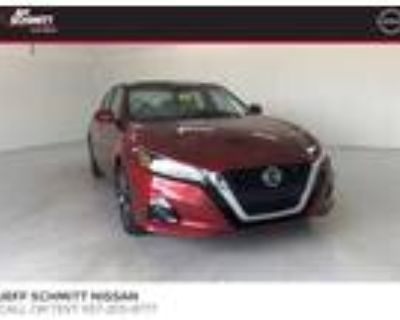 2019 Nissan Altima Red, 38K miles