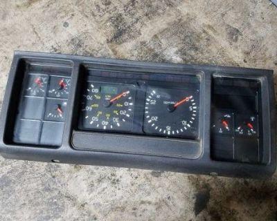 1997 - 2003 Volvo Vnl Diesel Engine Instrument Cluster