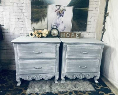 FRENCH PROVINCIAL 2X side table/Night stand--150$ Laval