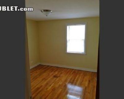 $800 2 apartment in West Suburbs