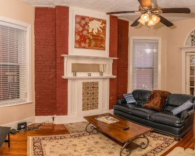 Charming and Spacious, Historic Duplex in Lovely Neighborhood - Old Louisville