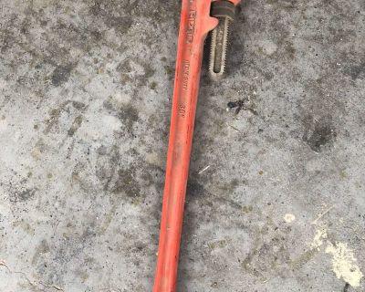 36 Rigid pipe wrenche
