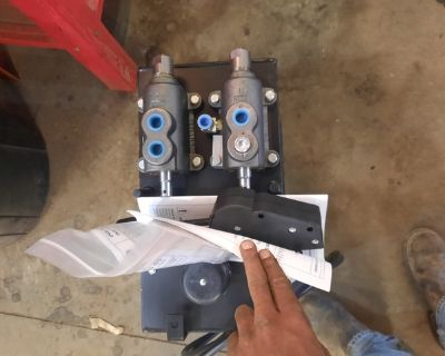 Hydraulic Reservoir with Valves (NEW)
