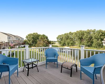 South Hampton Hideaway W/ Shared Pool, Private Balcony, Gas Grill & Private W/D - Ocean View