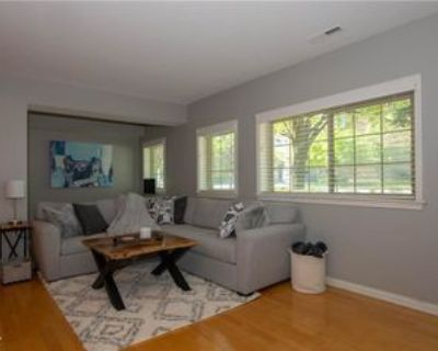 215 N New Jersey St #A, Indianapolis, IN 46204 1 Bedroom Condo