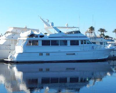 1998 Hatteras 74 Sport Deck Motor Yacht