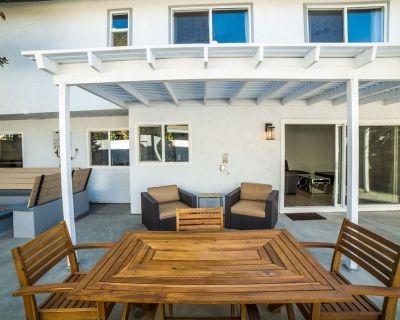 Shoup Paradise Home w Jacuzzi - West Hills