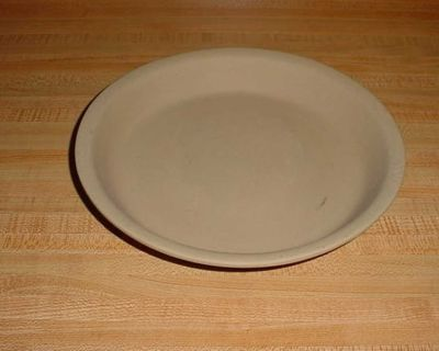 Gently Used Pampered Chef Family Heritage Stoneware Non-Stick Pie/Tart Baker. $10