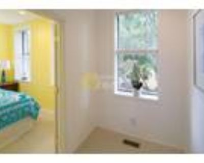 Townhome with 3 bedrooms/ 2.5 baths Dupont Circle, Northwest Washington