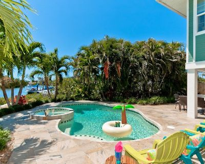 The Moorings! Bring Your Boat to this Newly Renovated Home w/ Private Pool - Palmetto