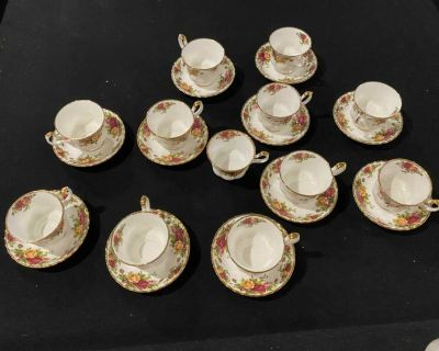23 piece old country rose China