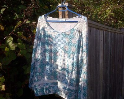 Soft & Pretty Boho Inspired Top for Fall