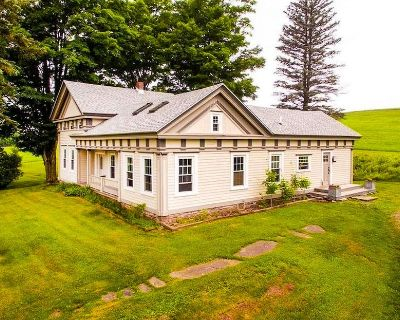 NEW - Modern Farmhouse with 4BR, Amazing Country Views - Hobart