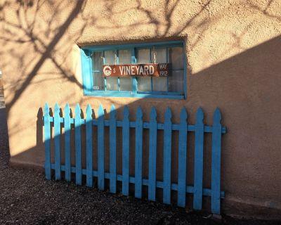 Authentic New Mexico Adobe Casita in wine country/hot air balloon mecca - Bernalillo