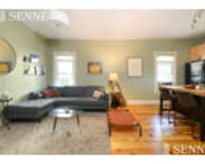 This great 3 bed, 1 bath sunny apartment is located in the area on Summer St.