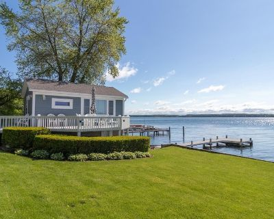 """A Cottage on the Bay:""""Adorable Lakeside Cottage Near Geneva"""" - Fayette"""