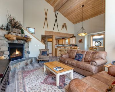 Serene Lower Deer Valley Townhome Private Hot tub - Park City