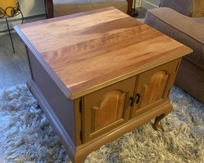 Natural Side table / Cabinet