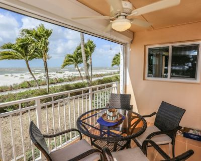 Beautiful Fully Remodeled Gulf Front Condo - South Island