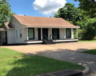 Small Office & Warehouse for Lease
