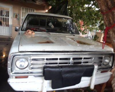 1971 Dodge 200 pick-up