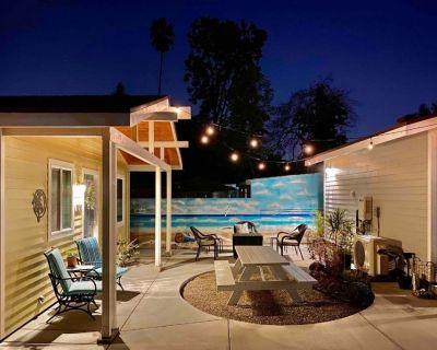SoCal Daze, a Cozy Bungalow with dedicated parking - North Central