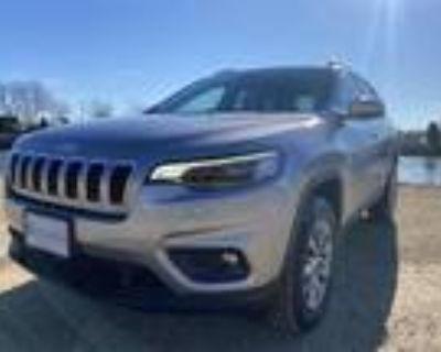2021 Jeep Cherokee Silver, 10 miles