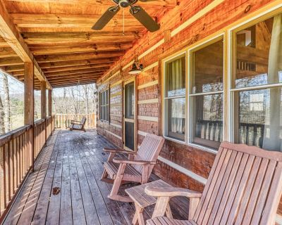 Secluded home w/ valley and wildlife views - short drive into town! - Whittier