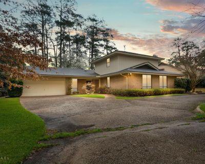 6401 Birnamwood Rd, Shreveport, LA 71106