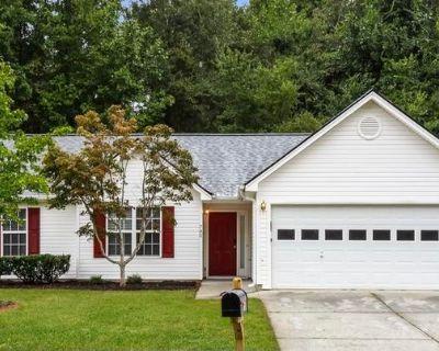 780 Amelia Grove Ln , Lawrenceville, GA 30045