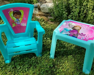 KIDS OUTDOOR PATIO CHAIR AND TABLE