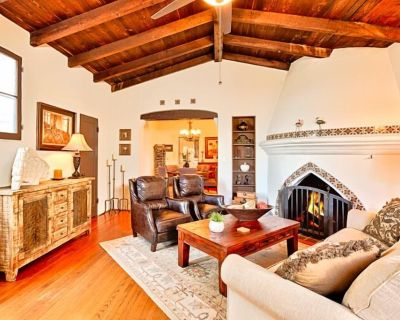 Spanish Style Home, Great Amenities + Walk to Beach - San Clemente