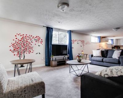 Quiet space / 3 King beds and Sofa Bed Fast Wifi | Netflix | - Marietta