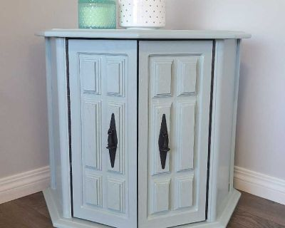 Side/ end table
