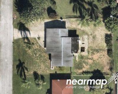 Foreclosure Property in North Fort Myers, FL 33917 - Pine Ave